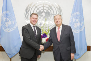 Kornelios Korneliou, new Permanent Representative of Saint Lucia to the United Nations, presents his credentials to Secretary-General António Guterres.